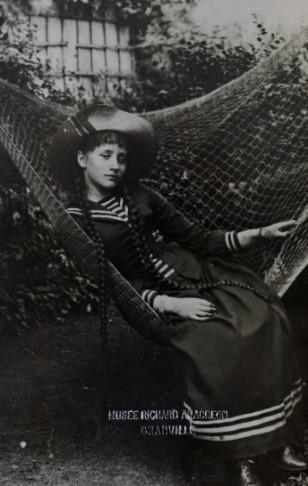 Anonyme, Colette enfant, photographie collection Musée d'art moderne Richard Anacréon, © Droits réservés