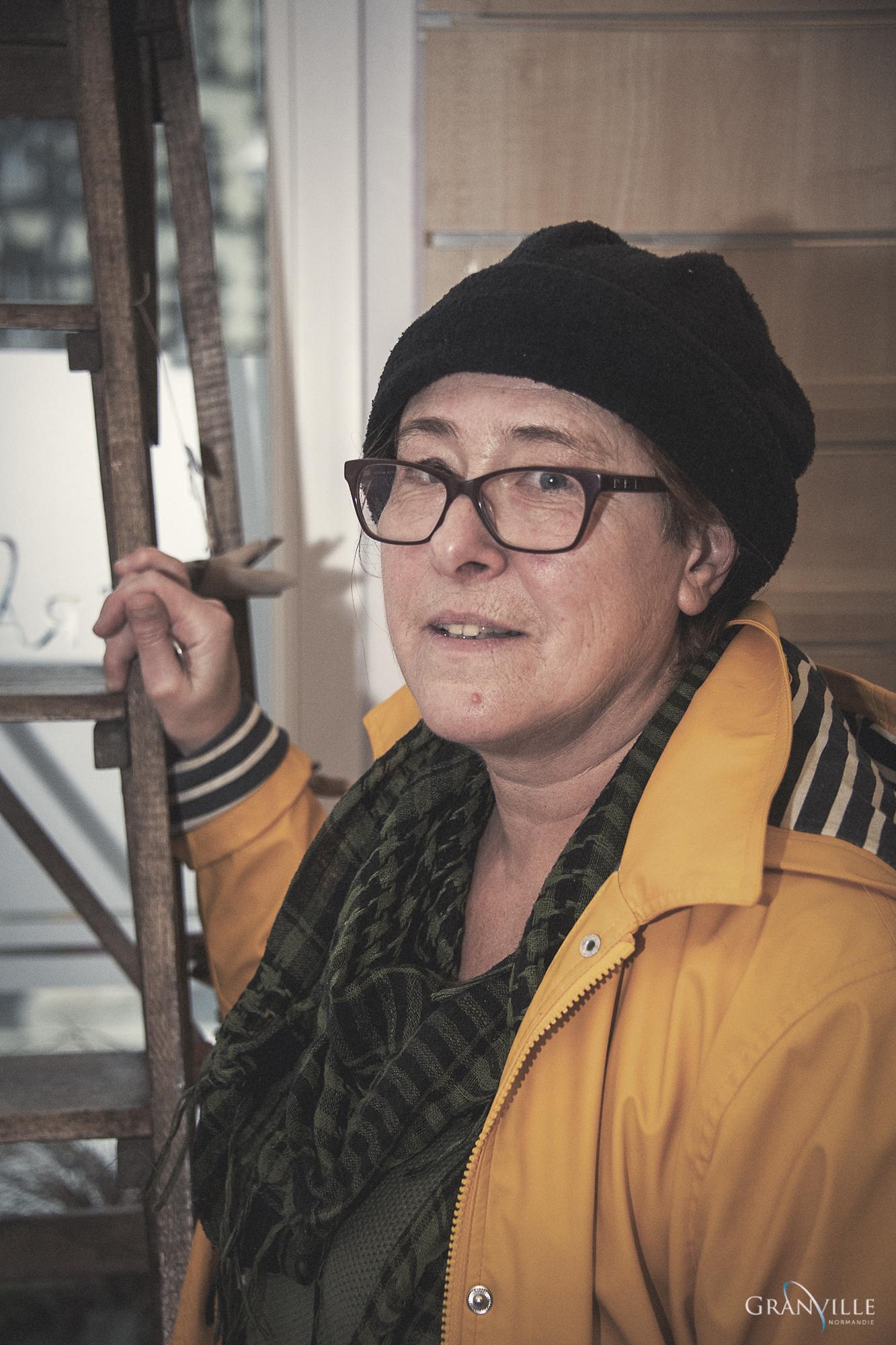 Christine Desfoux, créatrice, expose dans l'espace éphémère des créateurs de Granville durant les fêtes de fin d'année 2019.