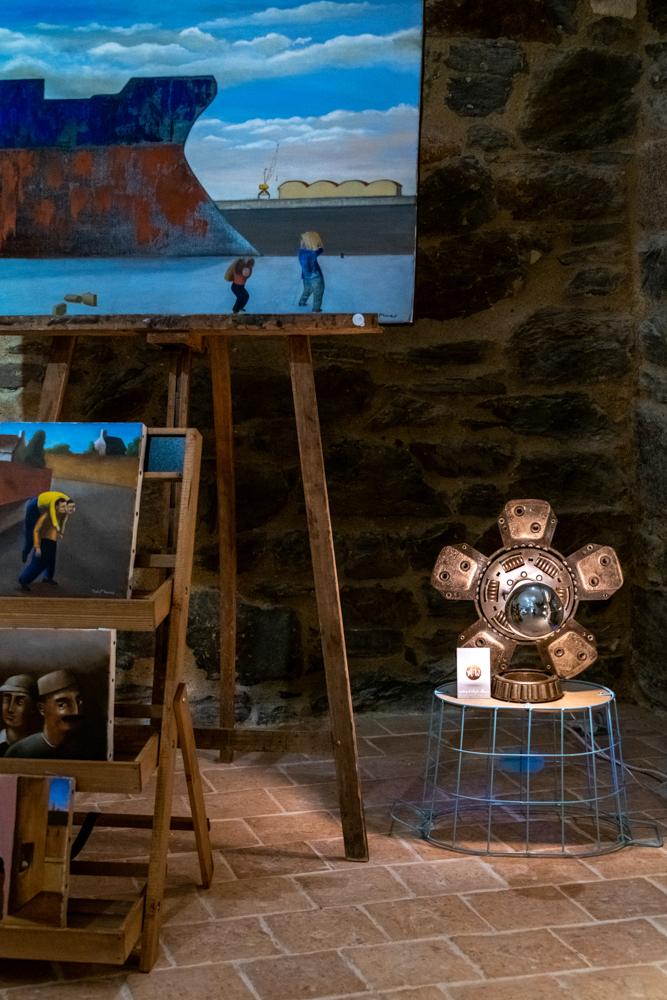 Hissez Haut accueille des œuvres de Tati Mouzo à son sous-sol.©Benoit.Croisy