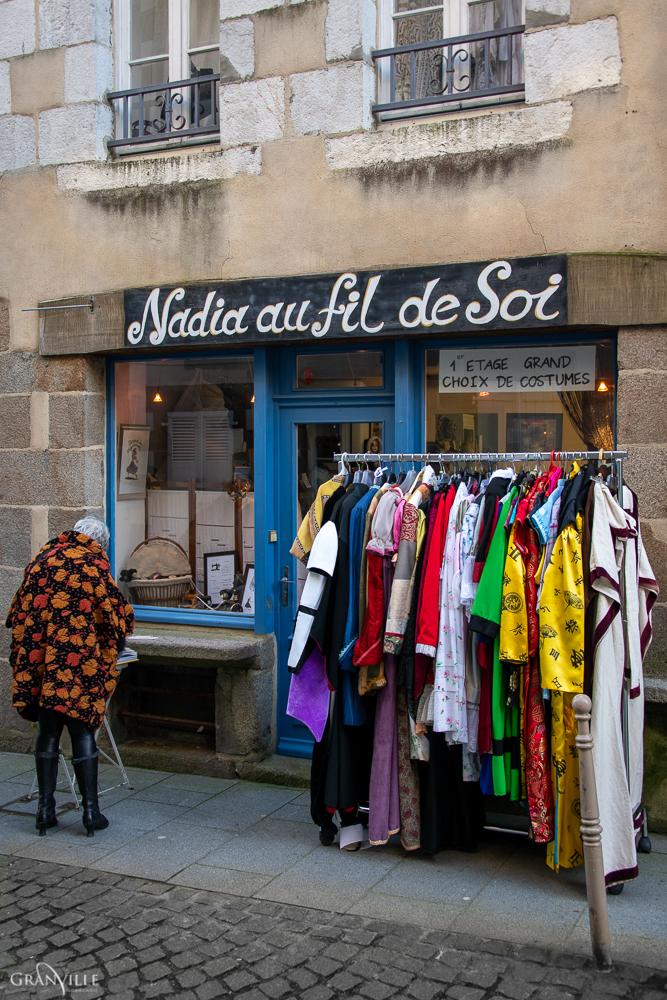 L'atelier de Nadia se trouve au numéro 20 de la rue Saint-Jean.