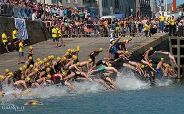 EV Granville Natation organise la 56e édition du Tour du Roc à la nage