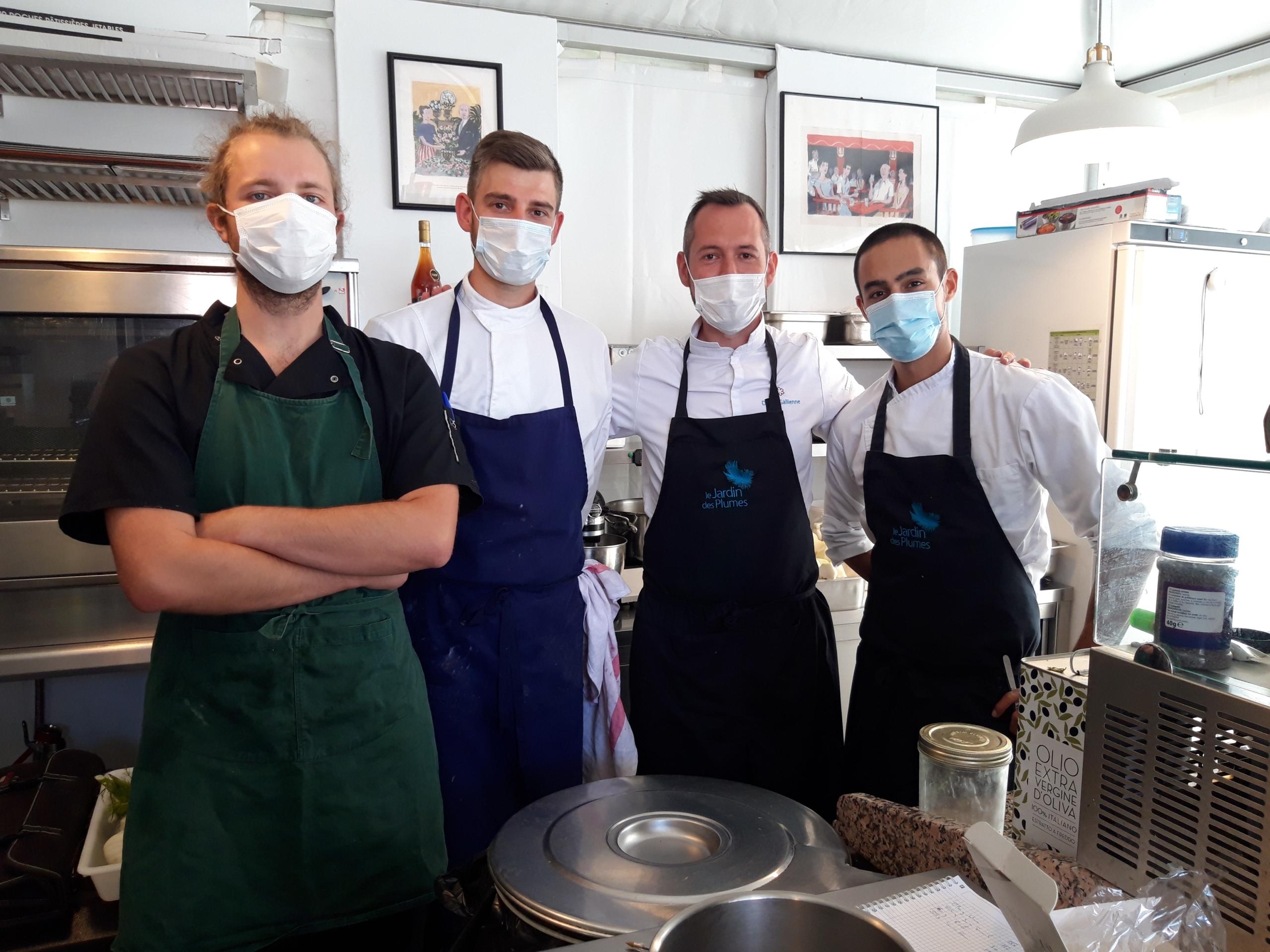 Pierre et Valentin, de La Bonne Aventure, partageront les cuisines avec David Gallienne et son adjoint Stanislas ce lundi 20 juillet 2020.©Flora.Gelot